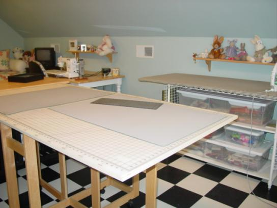 how to make a fabric cutting table